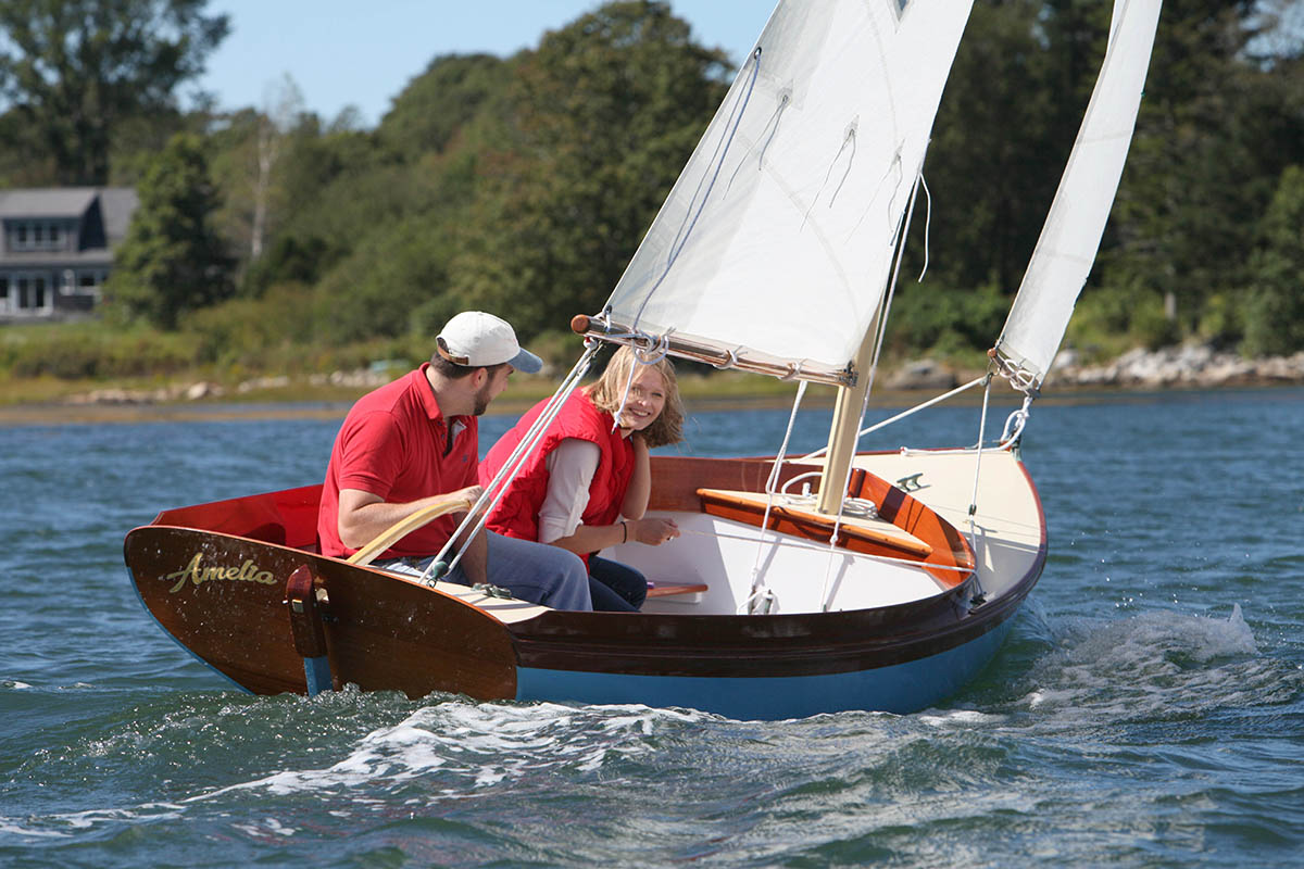 The Paine 14 – A Herreshoff – inspired daysailor | Chuck Paine ...
